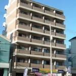 JR六甲道駅、徒歩5分!! 大通りに面した洋室8帖のお部屋です♬