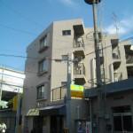 西宮市鳴尾町のお洒落な洗面ドレッサーがうれしいお部屋です。1Fが管理会社さんなので